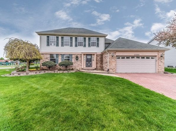 4 bed 2.5 bath Single Family at 1109 Oak Wood Dr Carol Stream, IL, 60188 is for sale at 330k - 1 of 31