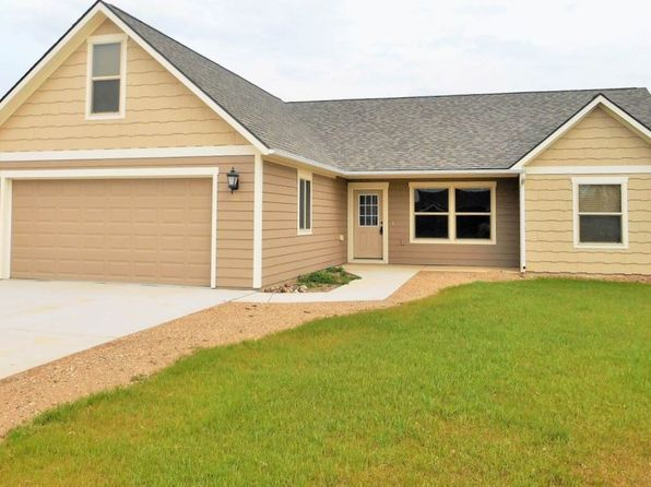 3 bed 2 bath Single Family at 616 6th St NE Kenmare, ND, 58746 is for sale at 200k - 1 of 24
