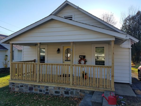 2 bed 1 bath Single Family at 3997 Main St Warrensburg, NY, 12885 is for sale at 90k - 1 of 9
