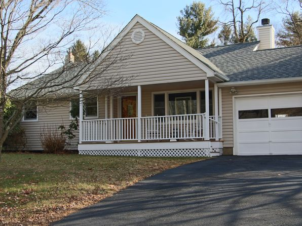 3 bed 2 bath Single Family at 14 Lenape Way Randolph, NJ, 07869 is for sale at 369k - 1 of 15