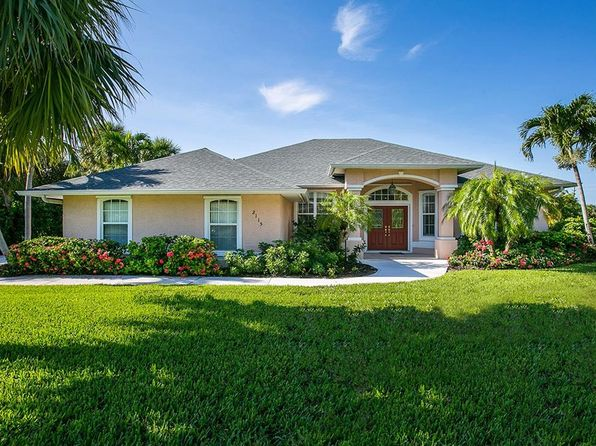 3 bed 3 bath Single Family at 2115 Captains Walk Vero Beach, FL, 32963 is for sale at 699k - 1 of 30