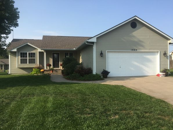 4 bed 2 bath Single Family at 1802 E 25th Ave Hutchinson, KS, 67502 is for sale at 170k - 1 of 9