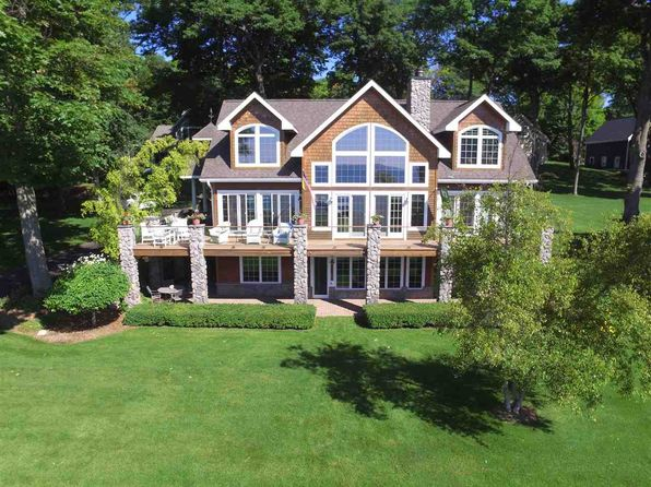 4 bed 4 bath Single Family at 135 C and O Club Dr Charlevoix, MI, 49720 is for sale at 795k - 1 of 23