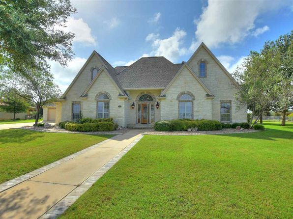 3 bed 2 bath Single Family at 408 Legends Pkwy Kingsland, TX, 78639 is for sale at 419k - 1 of 25