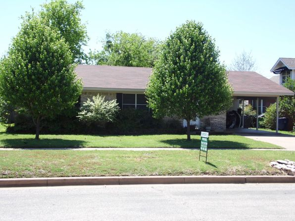 3 bed 2 bath Single Family at 908 BRAZOS ST GRAHAM, TX, 76450 is for sale at 100k - 1 of 8