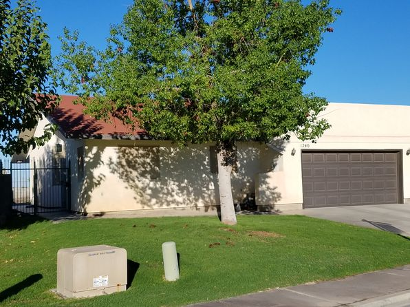 2 bed 2 bath Townhouse at 1240 S Sunset Dr Yuma, AZ, 85364 is for sale at 129k - 1 of 11