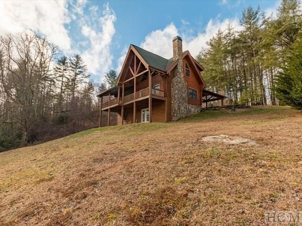 2 bed 2 bath Single Family at 9 Hob Knob Ln Glenville, NC, 28736 is for sale at 285k - 1 of 30