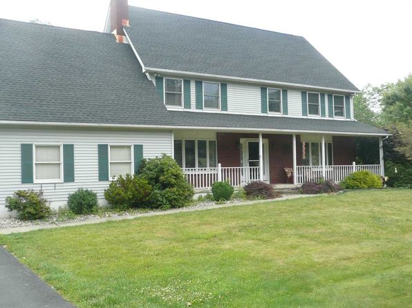 4 bed 3 bath Single Family at 284 Judith Dr Stormville, NY, 12582 is for sale at 390k - 1 of 26