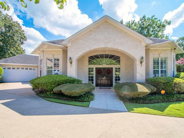 4 bed 4 bath Single Family at 1700 OAKMONT CIR LONGVIEW, TX, 75605 is for sale at 350k - 1 of 25