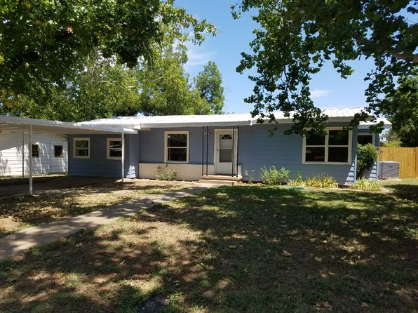 3 bed 3 bath Single Family at 801 Austin Rd Graham, TX, 76450 is for sale at 125k - 1 of 24