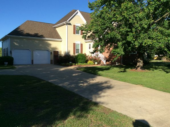 3 bed 3 bath Single Family at 5229 Westminster Ln Fuquay Varina, NC, 27526 is for sale at 299k - 1 of 29