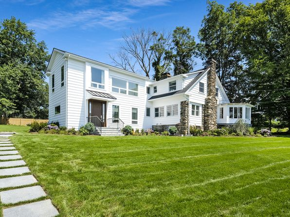 5 bed 3.5 bath Single Family at 521 Shore Acres Dr Mamaroneck, NY, 10543 is for sale at 1.70m - 1 of 32