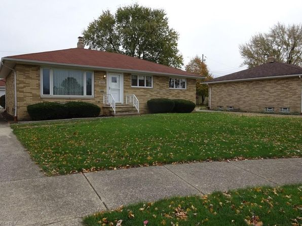 3 bed 2 bath Single Family at 4885 Springwood Dr Cleveland, OH, 44144 is for sale at 135k - 1 of 12
