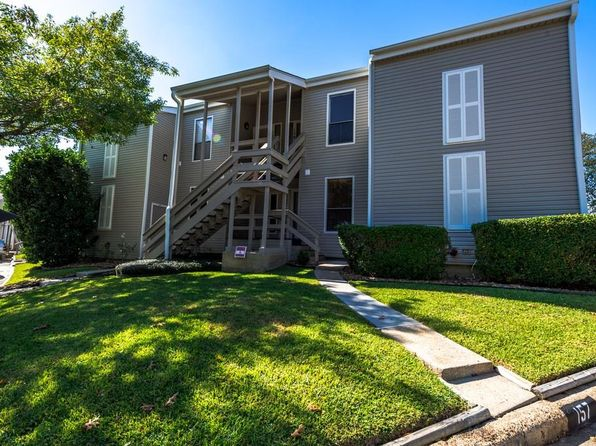 2 bed 2 bath Townhouse at 156 April Point Dr Montgomery, TX, 77356 is for sale at 127k - 1 of 23