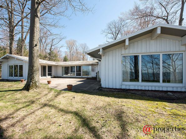 5 bed 5 bath Single Family at 6042 DUNE PATH COLOMA, MI, 49038 is for sale at 980k - 1 of 20