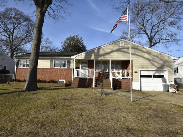 3 bed 2 bath Single Family at 817 Donna Dr Point Pleasant Boro, NJ, 08742 is for sale at 395k - 1 of 29