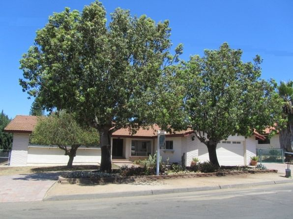 3 bed 2 bath Single Family at 1736 Elm Dr Vista, CA, 92084 is for sale at 559k - 1 of 25