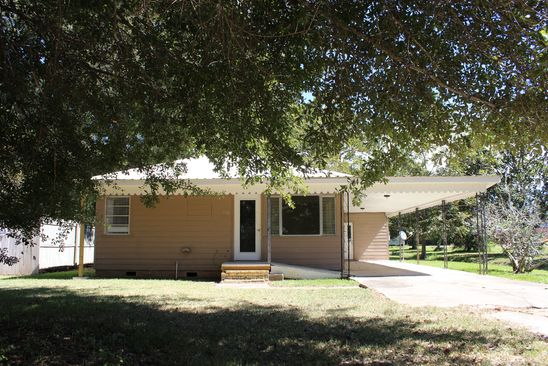 2 bed 1 bath Single Family at 570 Pine St Independence, LA, 70443 is for sale at 52k - google static map