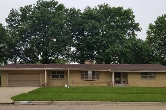 3 bed 3 bath Single Family at 2203 16TH AVE STERLING, IL, 61081 is for sale at 160k - google static map