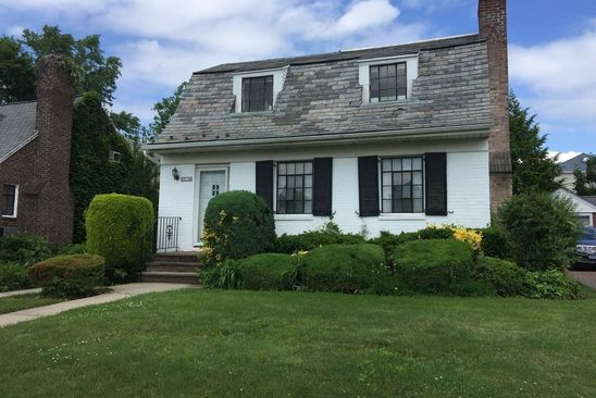 3 bed 2 bath Single Family at 7339 179th St Flushing, NY, 11366 is for sale at 978k - google static map