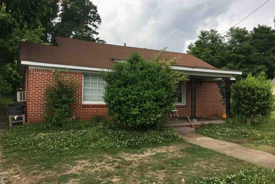 2 bed 2 bath Single Family at 221 S LINDSEY ST JACKSON, TN, 38301 is for sale at 35k - google static map