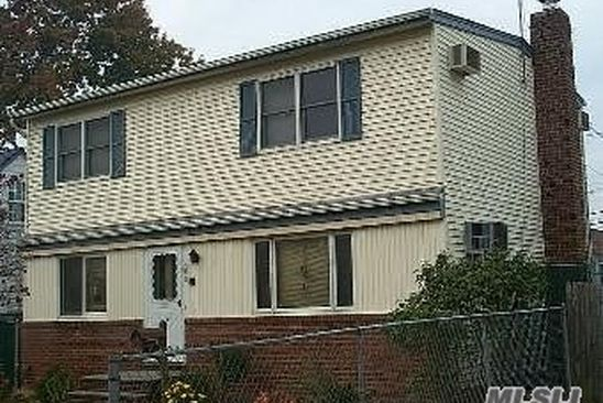 4 bed 2 bath Single Family at 562 Clark Pl Uniondale, NY, 11553 is for sale at 350k - google static map