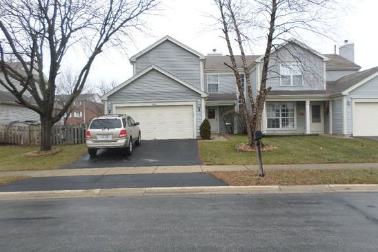 3 bed 3 bath Single Family at 686 LEGENDS DR CAROL STREAM, IL, 60188 is for sale at 250k - google static map