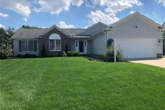 3 bed 2 bath Single Family at 4065 GLENRICH CIR STOW, OH, 44224 is for sale at 240k - google static map