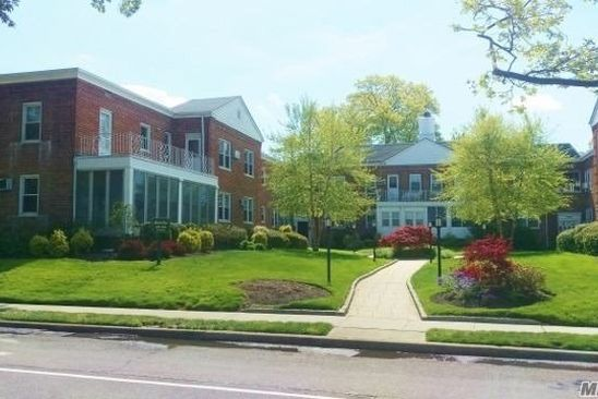2 bed 2 bath Condo at Undisclosed Address Hewlett, NY, 11557 is for sale at 279k - google static map