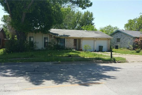 3 bed 2 bath Single Family at 1614 E Timberview Ln Arlington, TX, 76014 is for sale at 90k - google static map