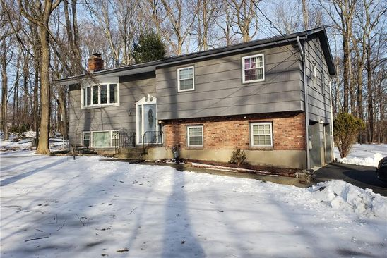 4 bed 3 bath Single Family at 1 Iroquois Trl Airmont, NY, 10952 is for sale at 450k - google static map