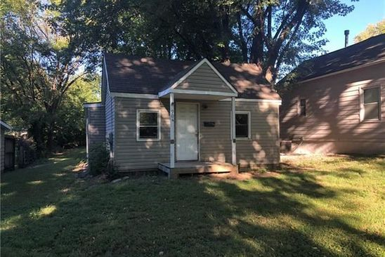2 bed 1 bath Single Family at 904 S OSAGE ST INDEPENDENCE, MO, 64050 is for sale at 16k - google static map