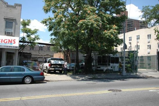 4 bed 3 bath Multi Family at 258 Rockaway Ave Brooklyn, NY, 11233 is for sale at 3.20m - google static map