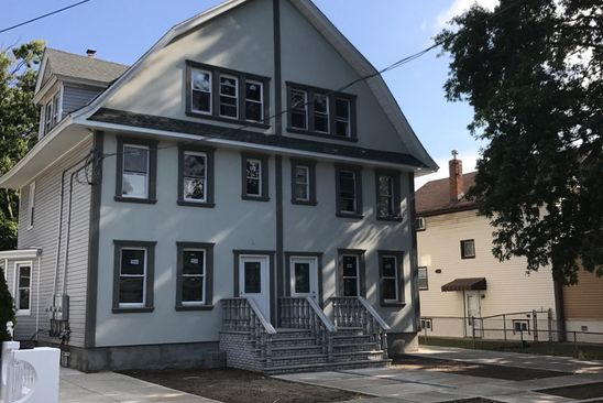6 bed 3 bath Multi Family at 85 GOLD ST VALLEY STREAM, NY, 11580 is for sale at 650k - google static map