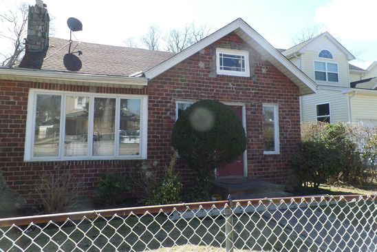 4 bed 2 bath Single Family at Undisclosed Address Roosevelt, NY, 11575 is for sale at 365k - google static map