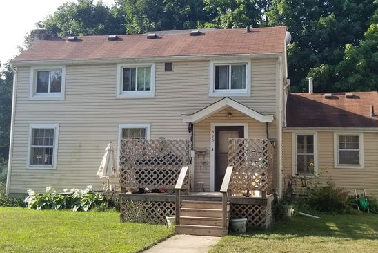 3 bed 2 bath Single Family at 305 W 2ND ST MOMENCE, IL, 60954 is for sale at 80k - google static map