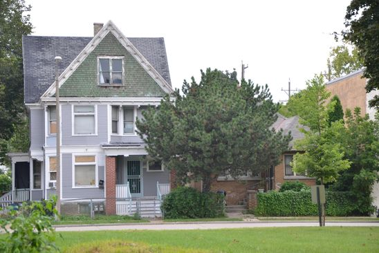 4 bed 2 bath Multi Family at 3757 N PORT WASHINGTON RD MILWAUKEE, WI, 53212 is for sale at 50k - google static map