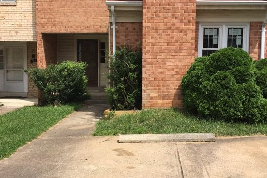 3 bed 3 bath Townhouse at 730 Hunter Ct SW Vienna, VA, 22180 is for sale at 590k - google static map