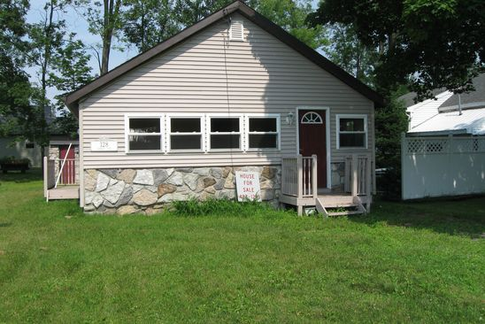 2 bed 1 bath Single Family at 128 Larkin Ave Chittenango, NY, 13032 is for sale at 160k - google static map