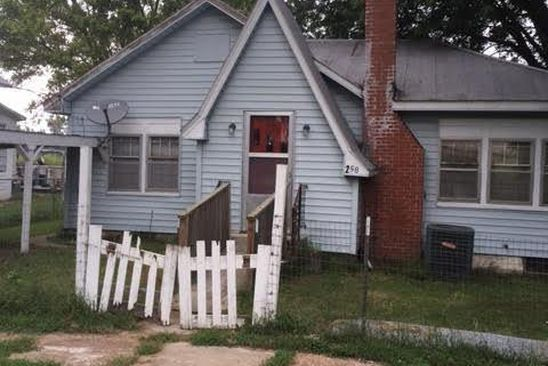 2 bed 1 bath Single Family at 258 Bank St Gasconade, MO, 65061 is for sale at 20k - google static map