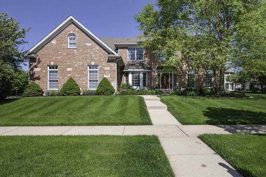 584 W Thornwood Dr, South Elgin, IL 60177   RealEstate com