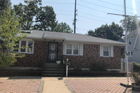 0 bed null bath Single Family at 37 Cochran Pl Valley Stream, NY, 11581 is for sale at 430k - google static map