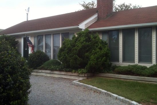 2 bed 1 bath Single Family at Undisclosed Address HAMPTON BAYS, NY, 11946 is for sale at 699k - google static map