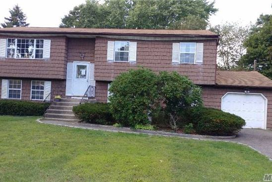 6 bed 2 bath Single Family at Undisclosed Address Dix Hills, NY, 11746 is for sale at 415k - google static map