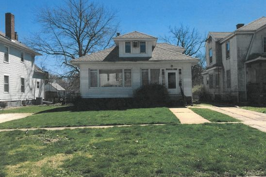 3 bed 2 bath Single Family at 619 E WASHINGTON ST HOOPESTON, IL, 60942 is for sale at 30k - google static map