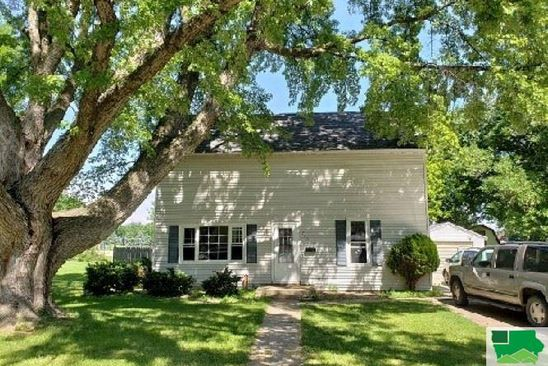 4 bed 1 bath Single Family at 740 1st Ave SE Sioux Center, IA, 51250 is for sale at 139k - google static map