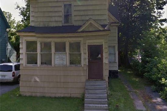 4 bed 2 bath Single Family at 230 LEON ST SYRACUSE, NY, 13205 is for sale at 33k - google static map