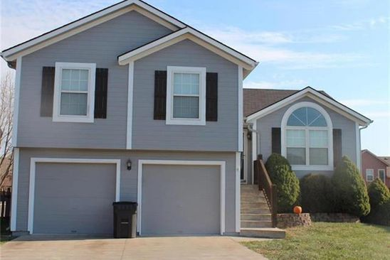 3 bed 2 bath Single Family at 1203 ROLLING DR GREENWOOD, MO, 64034 is for sale at 215k - google static map