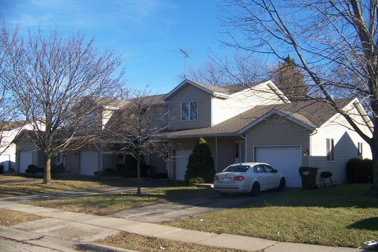 10 bed null bath Multi Family at 920 MARY ANN ST WOODSTOCK, IL, 60098 is for sale at 390k - google static map