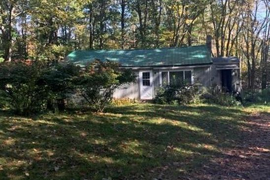 3 bed 1 bath Single Family at 4 JUNE LN KENNEBUNK, ME, 04043 is for sale at 130k - google static map